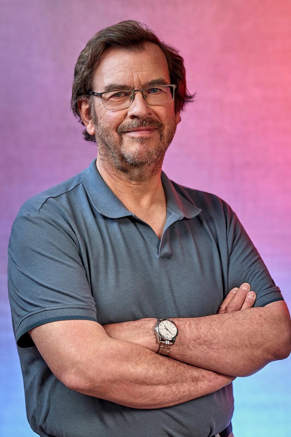 Marc over het belang van goed horen, het taboe en innovatie op het gebied van hooroplossingen.